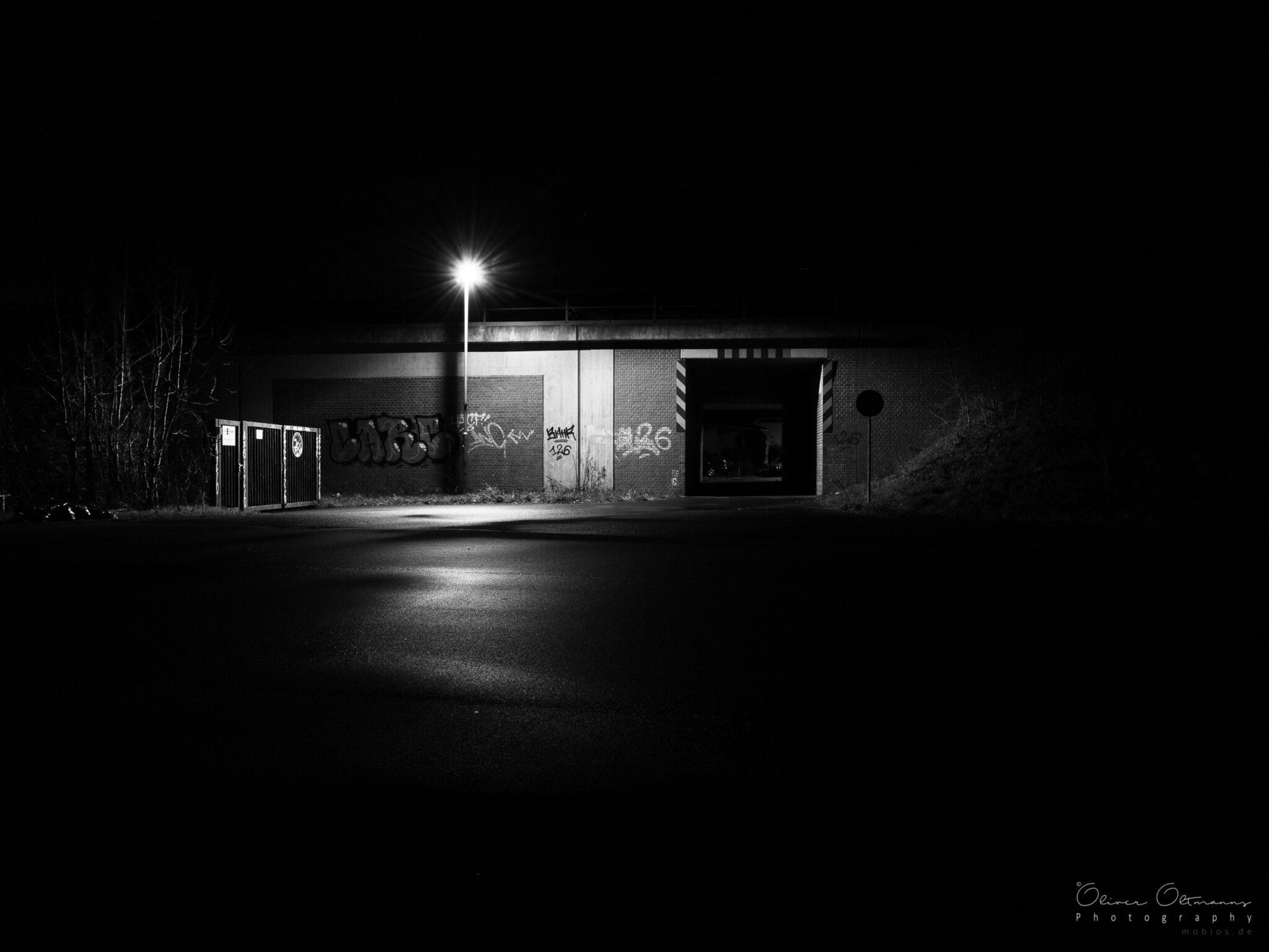 Buir bei Nacht - Unterführung